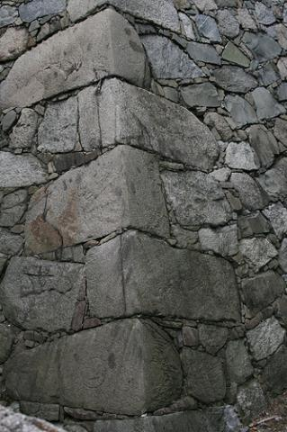 stacked-stone-foundation.jpg